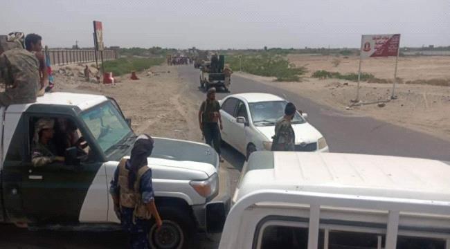 عاجل: وساطة تنجح في إخراج العوبان وأفراده وتسليم معسكر القوات الخاصة ب#أبيـن للحزام الامني