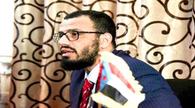 بن بريك: أي تخاذل في حفظ الجنوب بعيدا عن الإصلاح يصب في مصلحة #الحـوثي ويخدمه بشكل مباشر